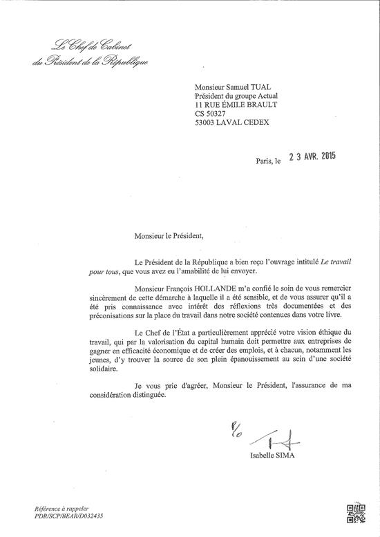 Le Président de la République François HOLLANDE montre son intérêt